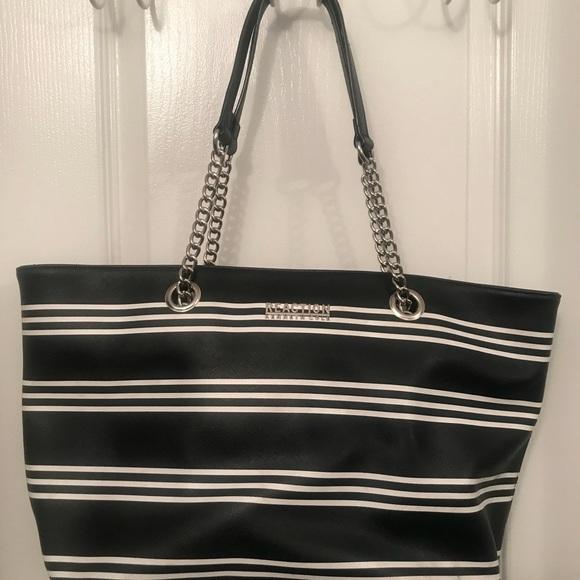 4bb2cf0b95 Kenneth Cole Reaction Handbags - Kenneth Cole Reaction purse